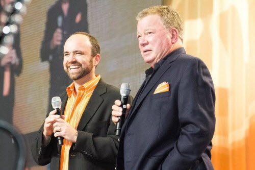 Content Marketing Institute founder Joe Pulizzi chats with actor William Shatner at the Content Marketing World 2013 conference in Cleveland.