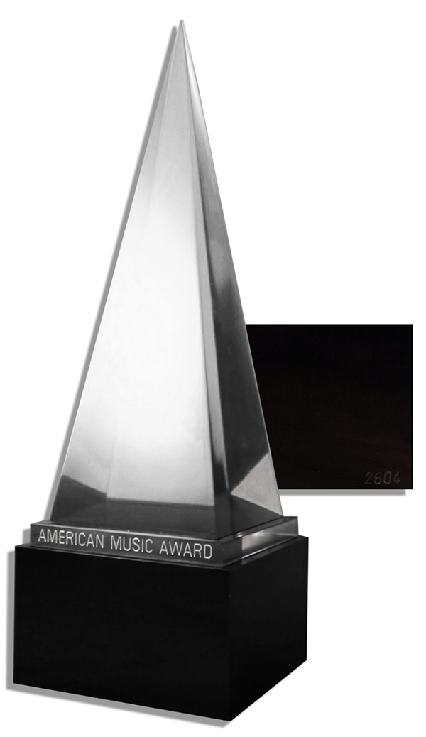 American-Music-Awards-AMAs-Crystal-Pyramid-Trophy-1-1-Real-Size-VIA-DHL-Free-Shipping