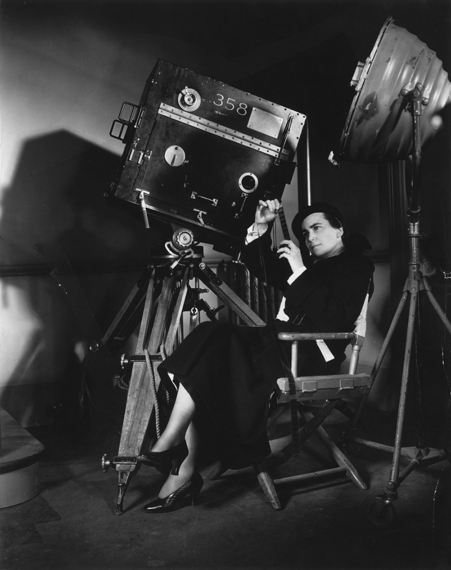 dorothy-arzner-hollywoods-most-prolific-female-studio-director-directing-merrily-we-go-to-hell-1932